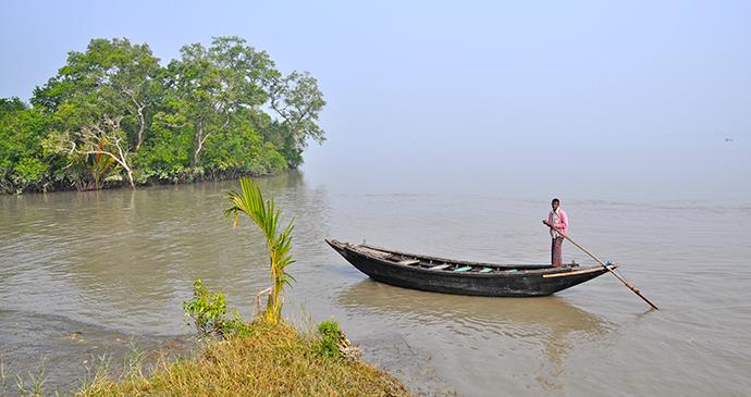 Fisherman Sundarbans Bangladesh by pikko Wikimedia Commons