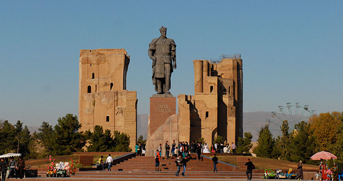 Bronze statue of Amir Timur Ak Serai Shakhrisabz Uzbekistan by Sophie and Max Lovell-Hoare