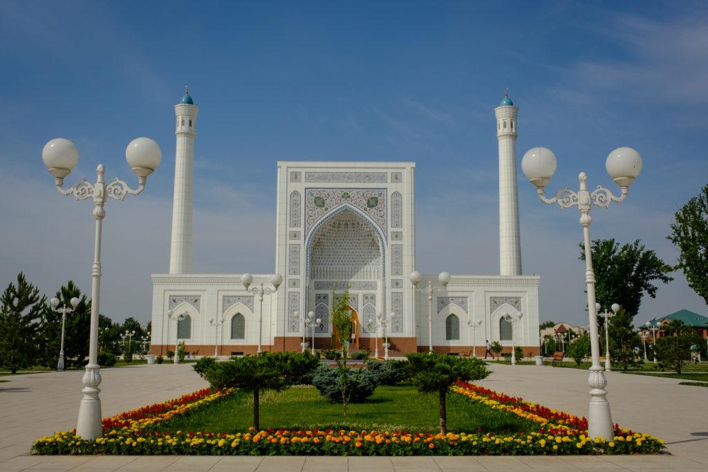Minor Mosque Tashkent Uzbekistan by Laurent Nilles