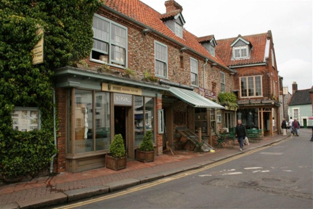 Holt, Norfolk, Katy Walters Wikimedia Commons