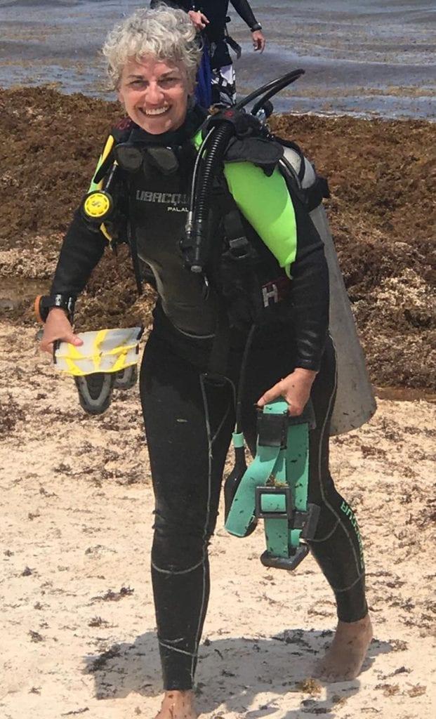 Deborah Diving Juicy Crones