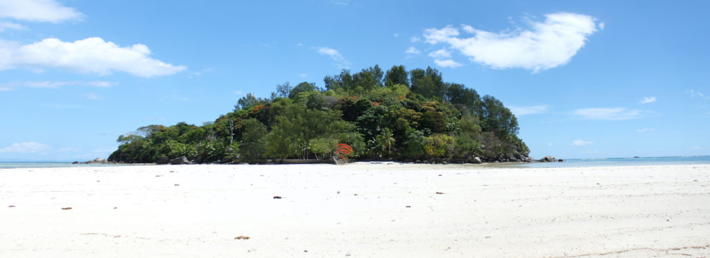 Moyenne Island National Park Seychelles by Gerwin Sturm Flickr