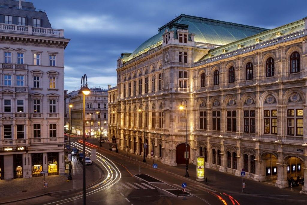 The State Opera House, Vienna, Julian Elliott