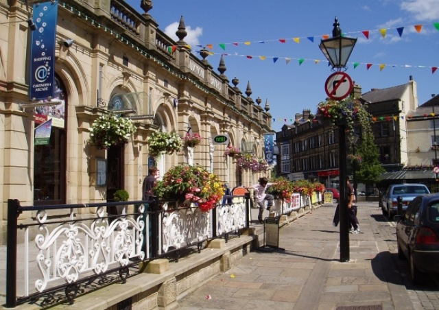 Cavendish Arcade Buxton Peak District by Peter Teal Wikimedia