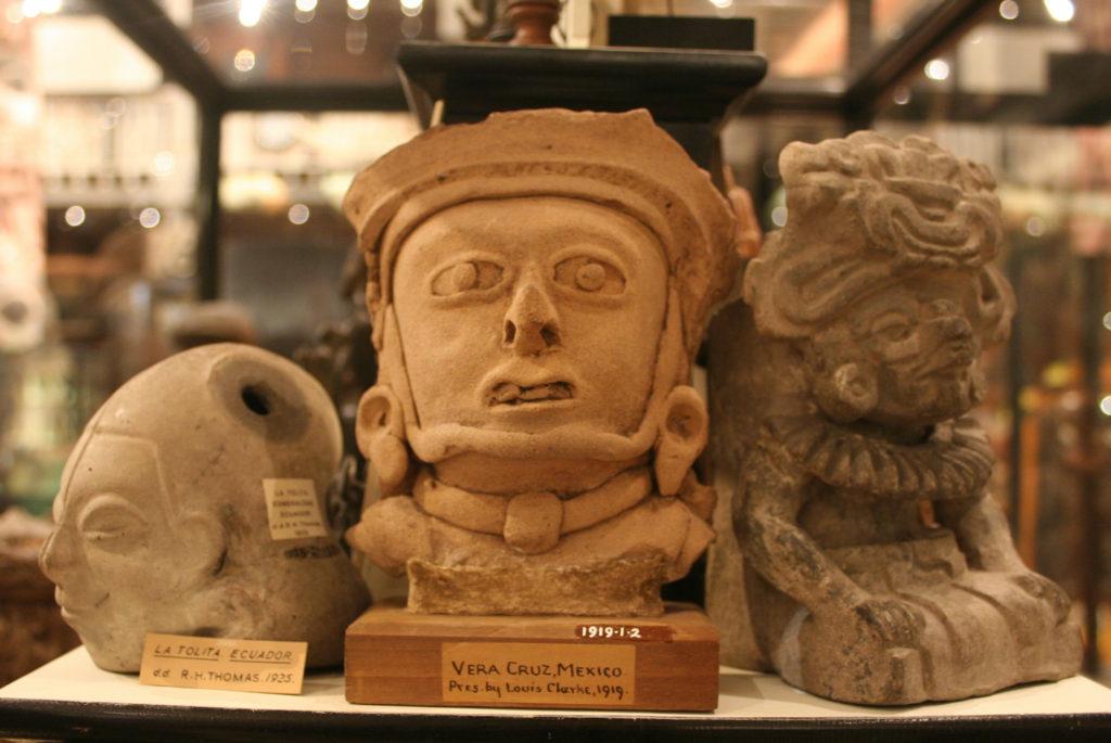 Pitt Rivers Museum Oxford by Einsamer Schutze Wikimedia quirky museums england