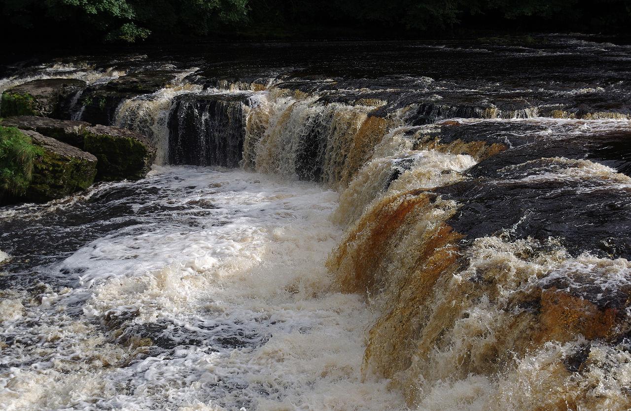 Aysgarth Falls, Yorkshire Dales, mattbuck, Wikimedia Commons