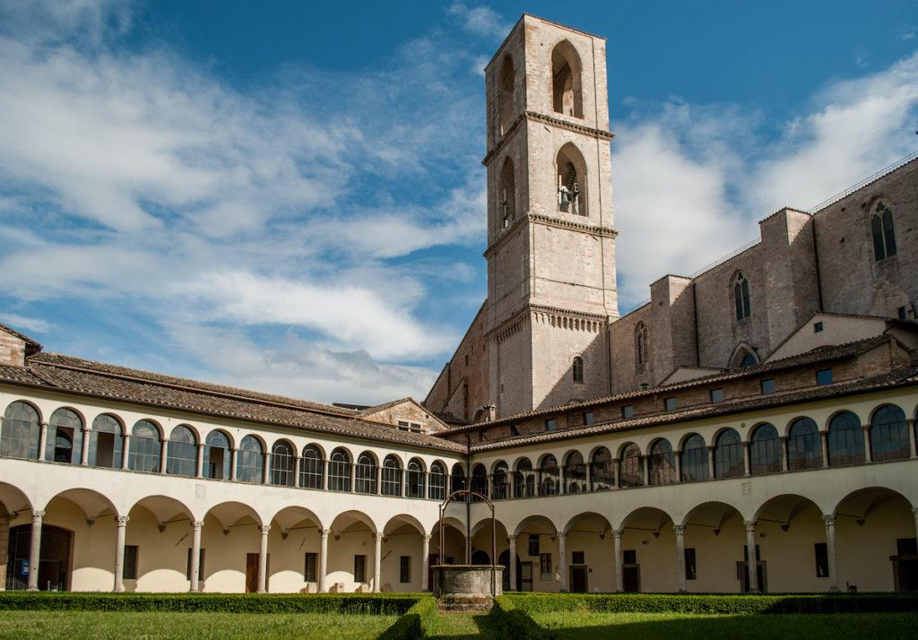 Basilica San Domenico Umbria spirins Shutterstock