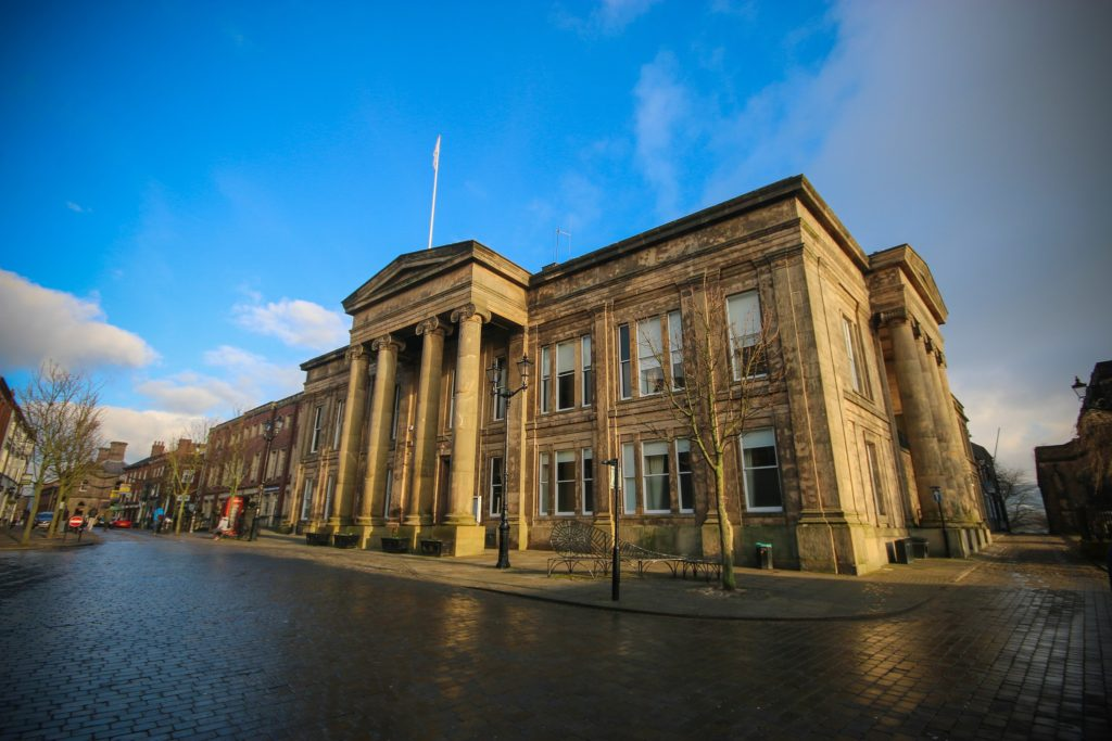 Macclesfield Town Hall, Macclesfield, Cheshire, Smith & Brown, Wikimedia Commons