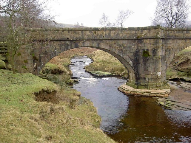 Packhorse bridge, Slippery Stones, Derwent, Peak District, Steve F, Wikimedia Commons