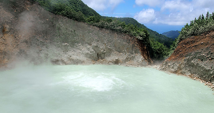 Boiling Lake in Dominica © Paul Crask