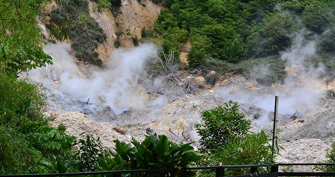 Drive-in volcano © Adam Strange