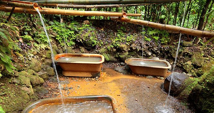 Wotten Waven sulphur baths © Paul Crask