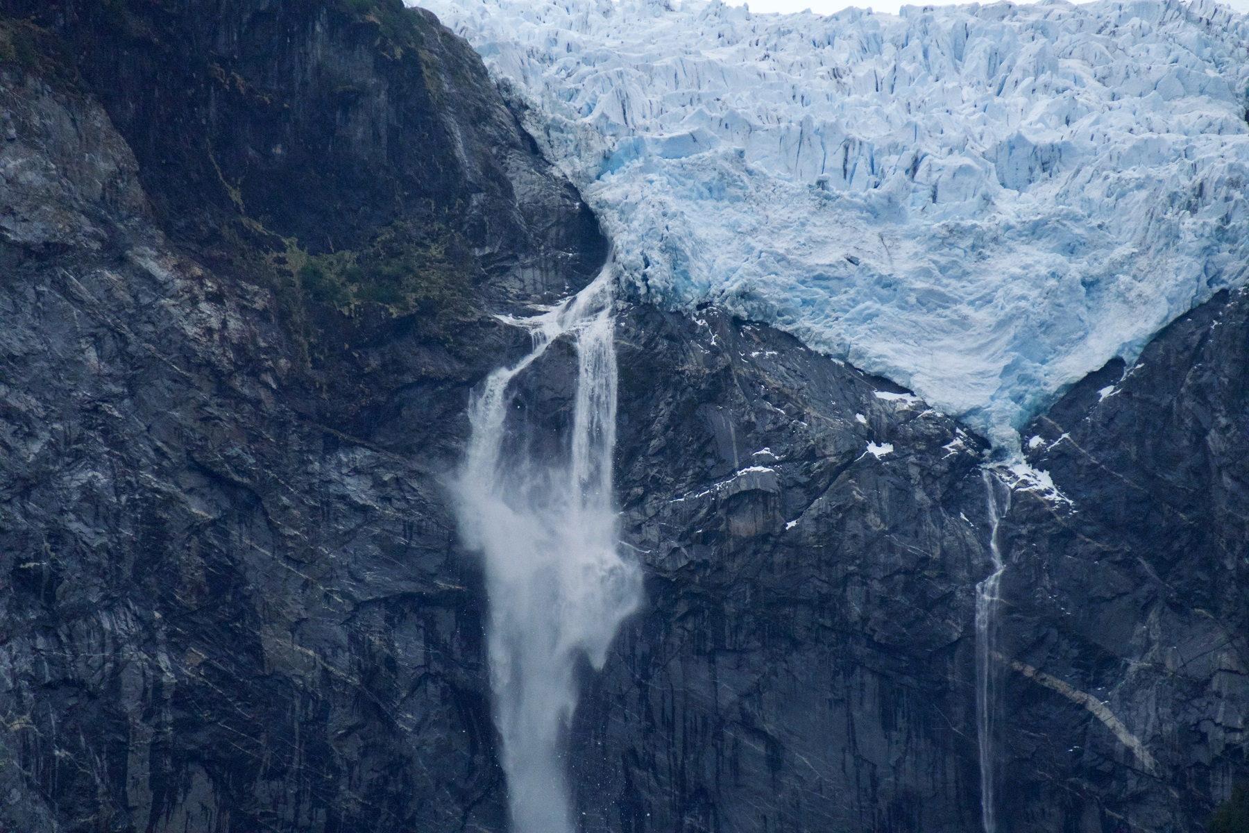 The hanging glacier of Queulat