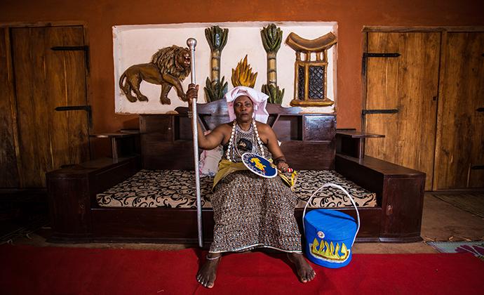 Queen Mother, Benin, Stuart Butler