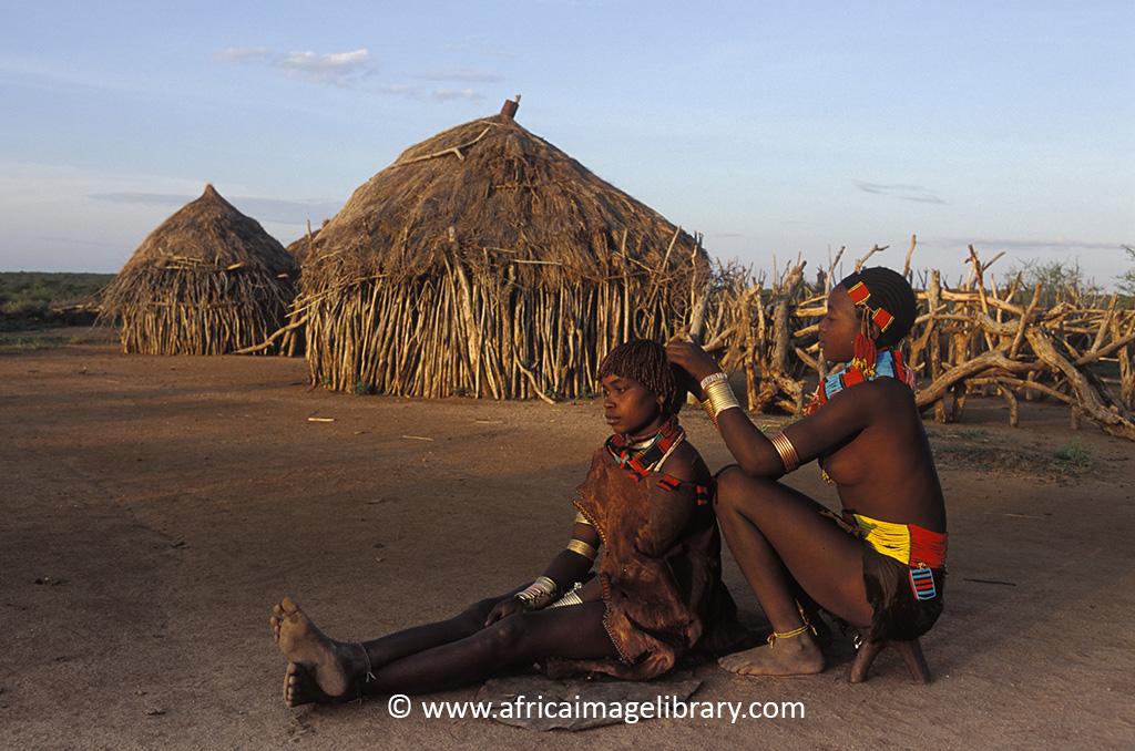 Hamer women Ethiopia by Ariadne Van Zandbergen
