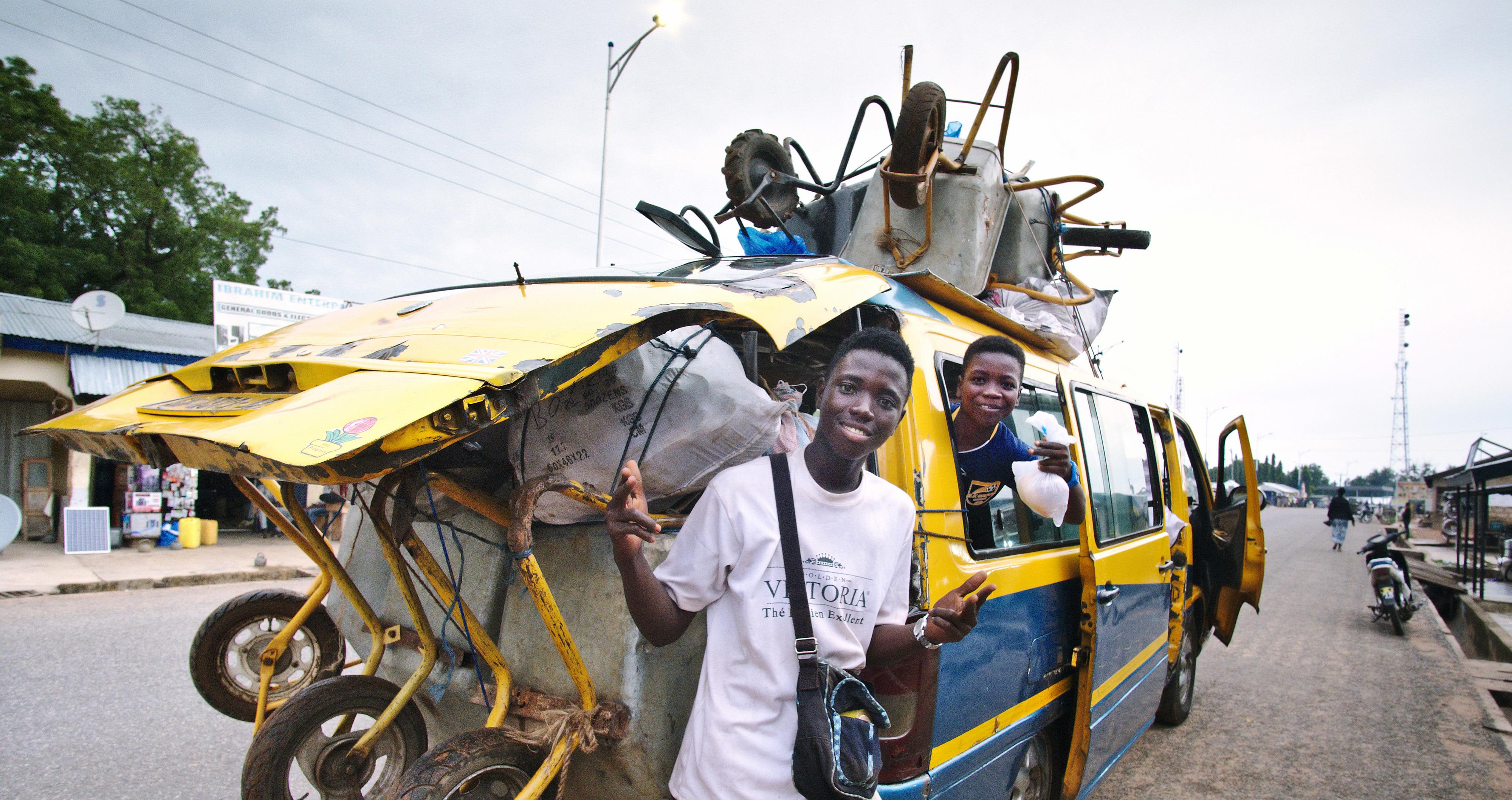 Trotro minibus Ghana © Nancy Chuang, @nancyc_huang