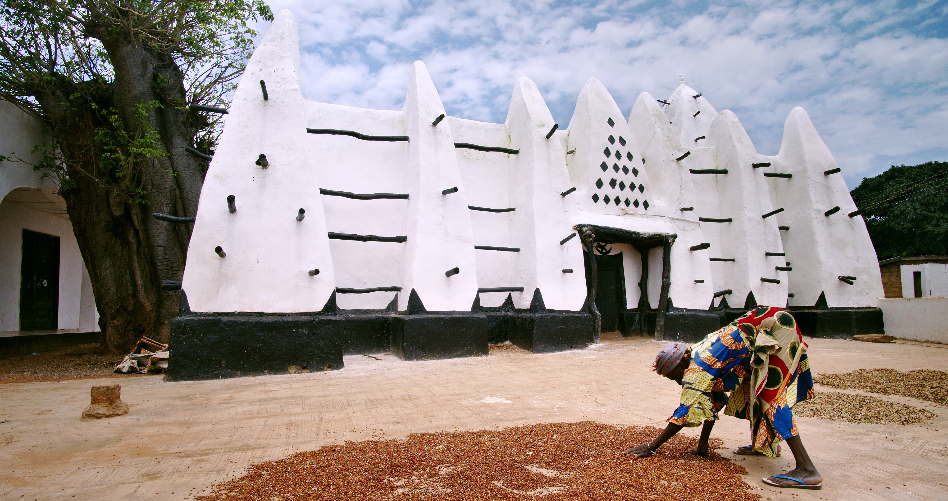 Larabanga Mosque is one of the best examples of Sahelian architecture in West Africa © Ariadne Van Zandbergen