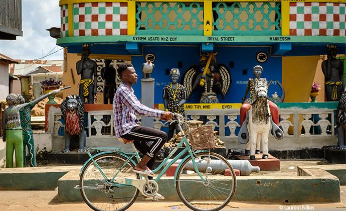 posuban, Ghana, by Laurent Nilles
