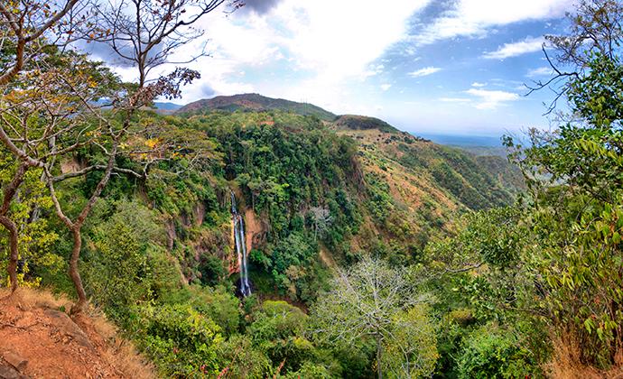 Manchewe Falls Livingstonia Malawi by tr3gin Shutterstock
