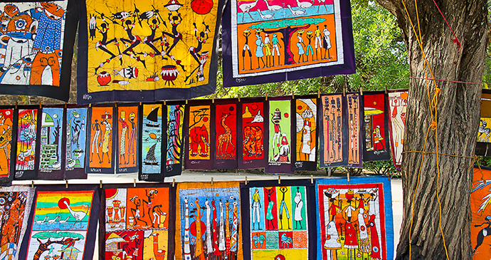 Market paintings Maputo Mozambique by Fedor Selivanov, Shutterstock