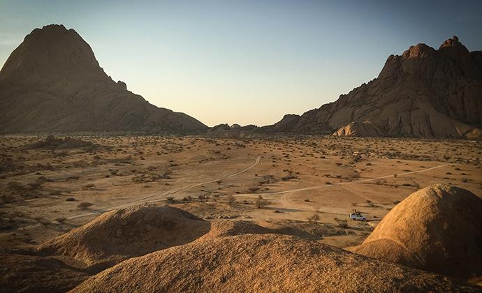 Spitzkoppe Namibia by manuzoli Pixabay