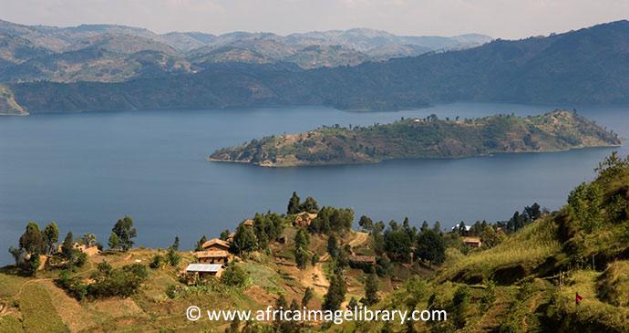 Virunga Mountains in Rwanda © Ariadne Van Zandbergen, Africa Image Library