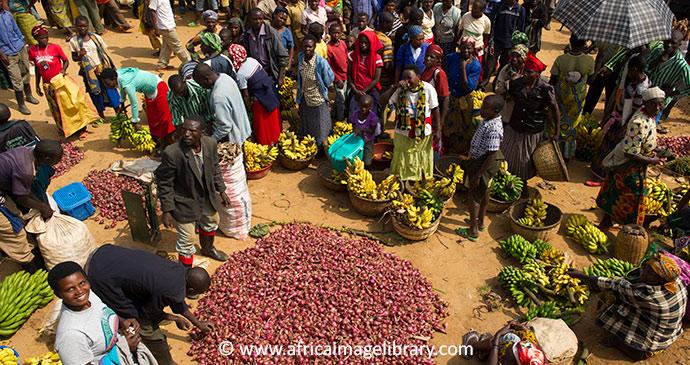 Market in Rwanda © Ariadne Van Zandbergen, Africa Image Library