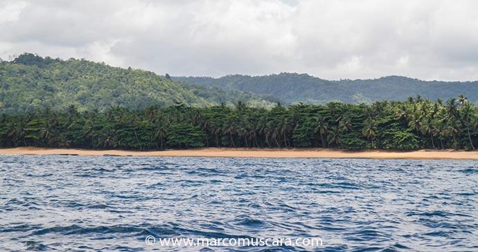 Praia Jalé in São Tomé, São Tomé and Príncipe by Marco Muscarà, www.marcomuscara.com