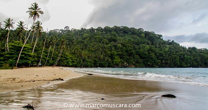 Praia de Micondó in São Tomé,  São Tomé and Príncipe by Marco Muscarà, www.marcomuscara.com