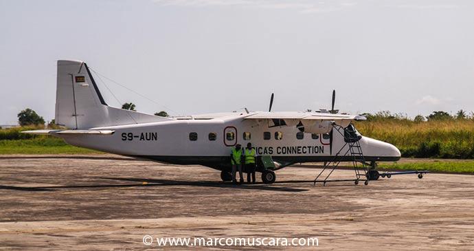 The small aircraft connecting São Tomé and Príncipe by Marco Muscarà, www.marcomuscara.com