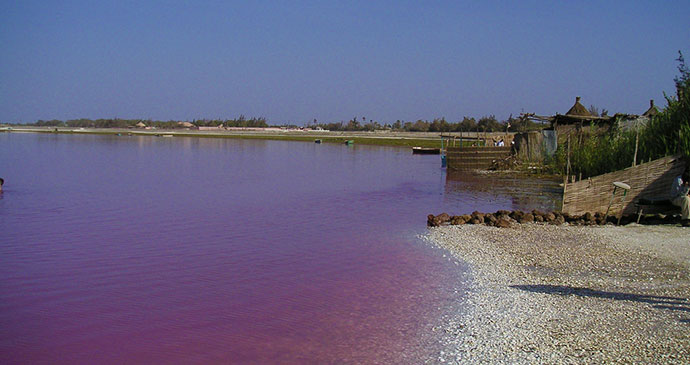 Lac Rose, Senegal © Arnault, Wikimedia Commons
