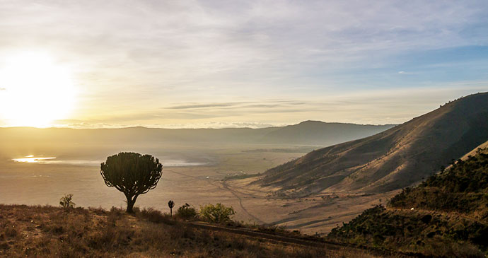 Ngorongoro Crater Tanzania by A_Peach, Wikimedia Commons