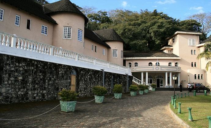Leopard Rock Hotel Bvumba Zimbabwe by Paul Murray