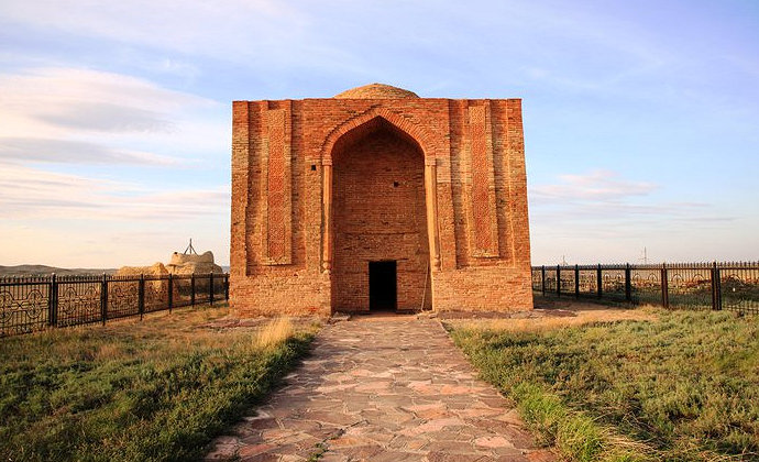 Mausoleum of Alasha Khan Karaganda Region Kazakhstan by Yerlan Karin CC-BY