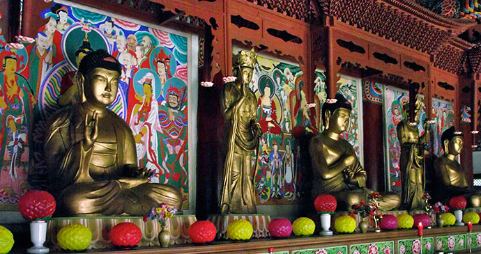 Temple at Mount Myohyang by Mark Fahey, Wikicommons