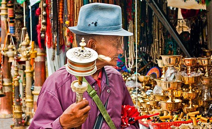 Barkor Lhasa Tibet China by Antoine Taveneaux CC-BY-SA