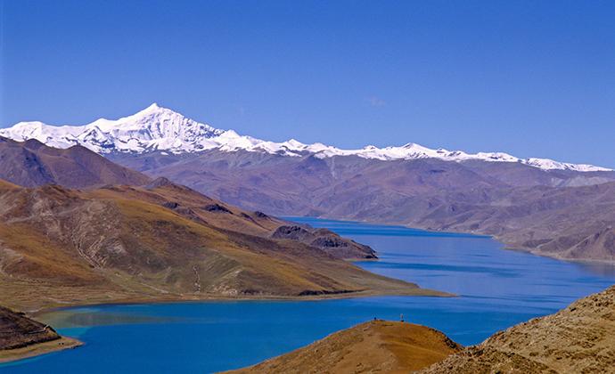 Yamdrok Tso Tibet China by Michael Buckley