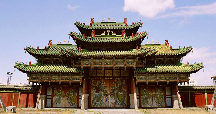 The Bogd Khan's Green Palace, Ulaanbaatar, Mongolia by yeowatzup, Wikipedia
