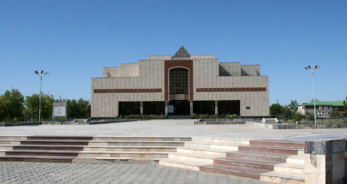 Igor Savitsky Museum Nukus Uzbekistan by ChanOJ Wikimedia Commons