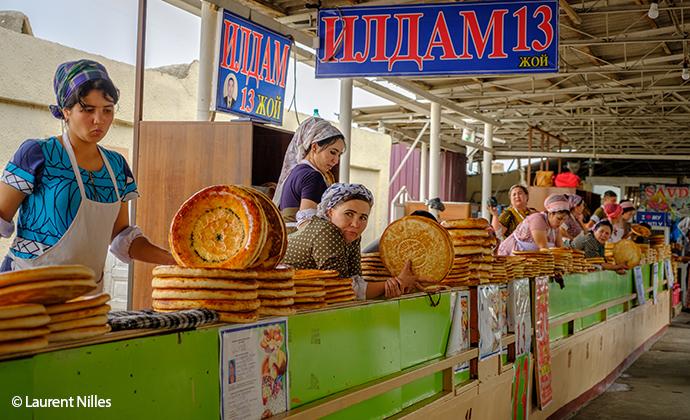 Market Uzbekistan by Laurent Nilles