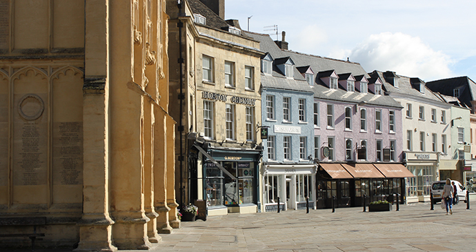 Cirencester's Market Place © Anna Moores