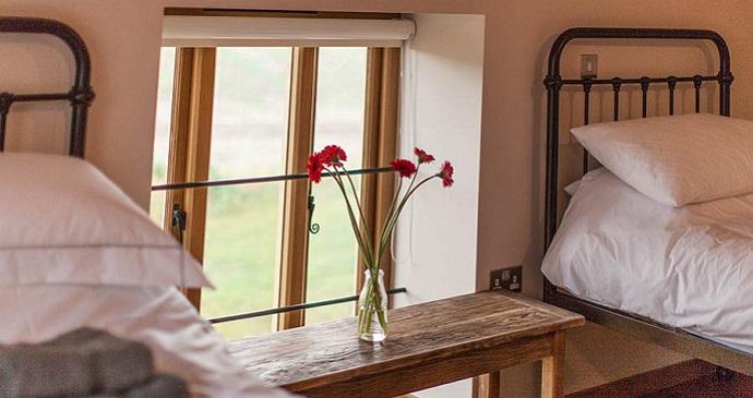 Bedroom © Flint Barns, Rathfinny Wine Estate