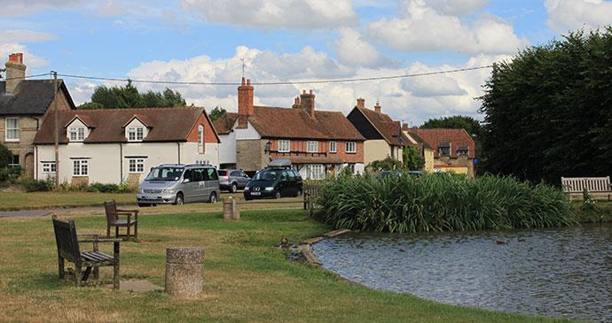 Haddenham village Buckhinghamshire by geograph.org.uk, Wikimedia Commons