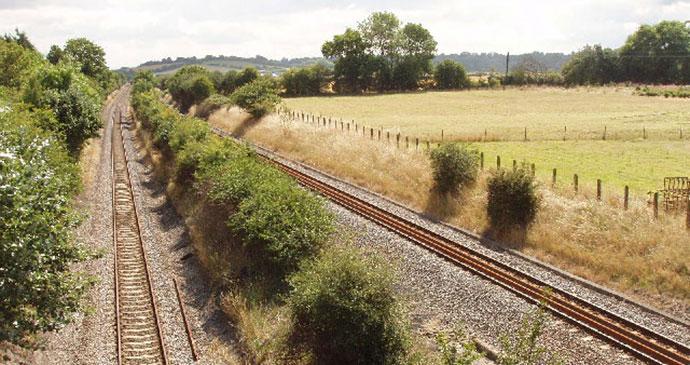 Saunderton Split Railway by geograph.org.uk, Wikimedia Commons