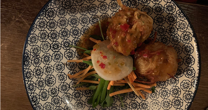 Crab and crispy noodle dumpling, asian slaw and sweet chilli sauce at The Maltsters Arms, Henley, UK © Holly Parsons