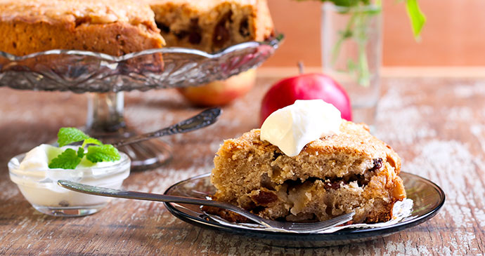 Food and drink, Dorset apple cake, Moores Dorset knob biscuits, Barford ice cream, Dorset, England, British Isles © MShev, Shutterstock