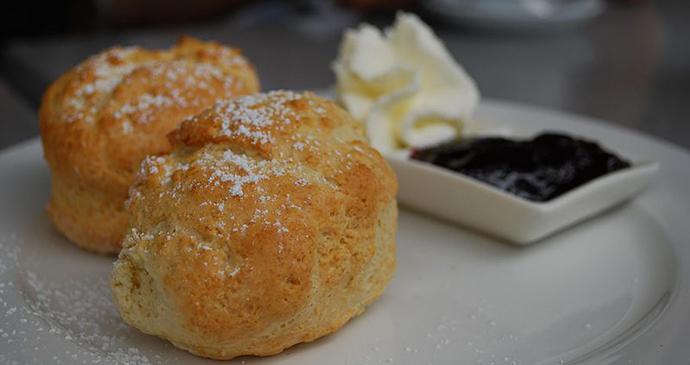 scones, north devon, UK by JohnnyMrNinja, Wikimedia Commons