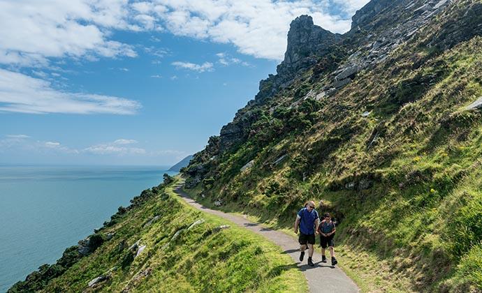 walking trail, lynmouth, north devon by Steve Heap, Shutterstock