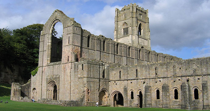 Fountains Abbey, Yorkshire, Klaus with K, Wikimedia Commons