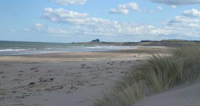 Ross Back Sands, Northumberland, UK by Dave Dunford, Wikimedia Commons